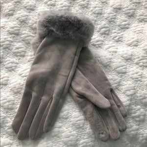 Accessories - Gray suede and faux fur gloves